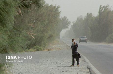 وزش باد خیلی شدید در شرق کشور/ وقوع رگبار در ۱۳ استان