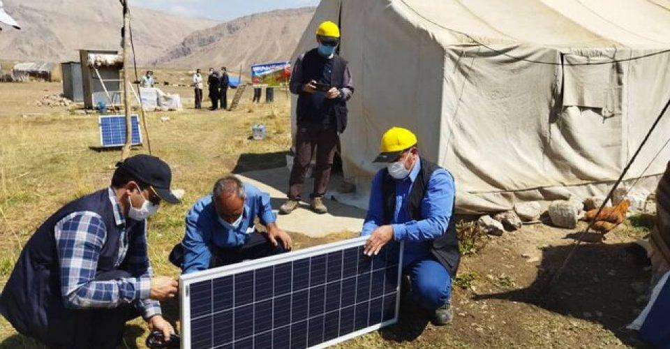 توزیع پنل های خورشیدی میان عشایری استان تهران